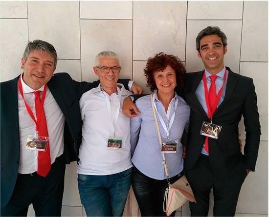 Álvaro Solans, miembro de la tercera generación de Pikolin y nuestro representante José Luis Zapatero gentilmente posaron con ColchonVip